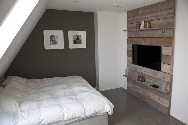 Modern Bedroom Concrete vs wood