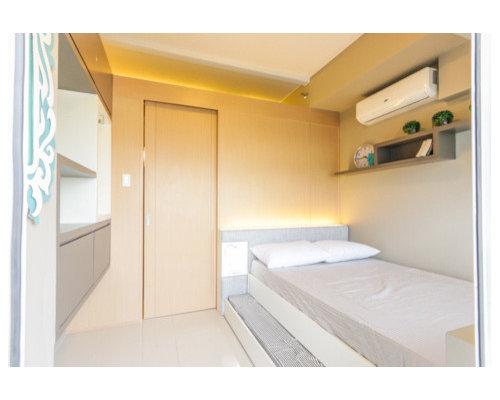 Camera da letto shabby chic style con pavimento in gres for Idee per le stanze degli ospiti