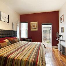 Modern Bedroom Conselyea - master bedroom