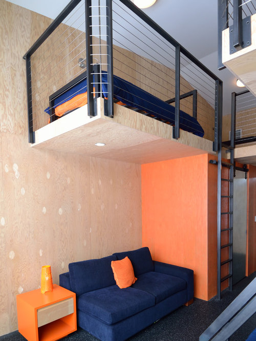 chambre mansard e ou avec mezzanine avec un mur orange photos et id es d co de chambres. Black Bedroom Furniture Sets. Home Design Ideas