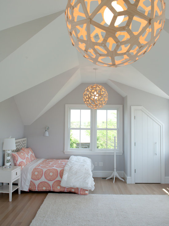 grey wall bedroom ideas Source Light Gray Walls Houzz