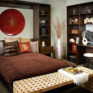 Foto de habitación de invitados contemporánea, sin chimenea, con paredes blancas y moqueta