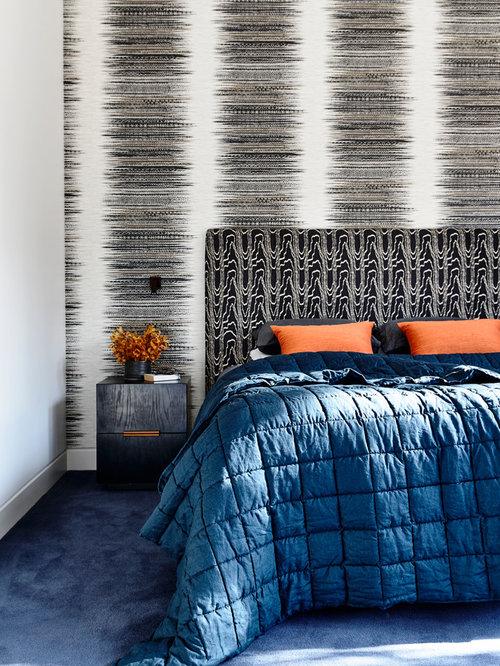 tr s grande chambre avec un mur multicolore photos et id es d co de chambres. Black Bedroom Furniture Sets. Home Design Ideas