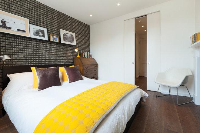 Contemporary Bedroom by Domus Nova