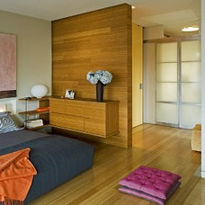 Contemporary Bedroom by BKSK Architects
