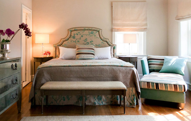 Contemporary Bedroom by Leslie Hayes Interiors