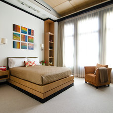 Contemporary Bedroom by Virtual Studio Innovations