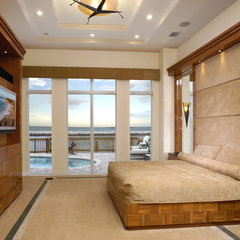 contemporary bedroom by Weiss Design Group, Inc.