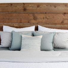 Contemporary Bedroom by Silicate Studio