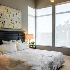 Contemporary Bedroom by KM Interior Designs