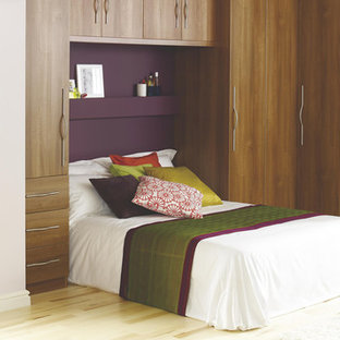 Contemporary Walnut Style Modular Bedroom Furniture System