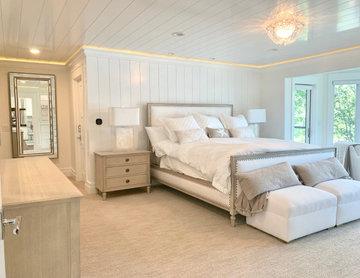 Contemporary Waterfront Master Bedroom — Lake Arrowhead, California