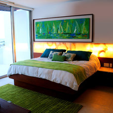 Modern Bedroom by Proyecto+7