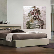 Modern Bedroom by Wokai Design