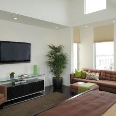 Modern Bedroom by EAG Studio