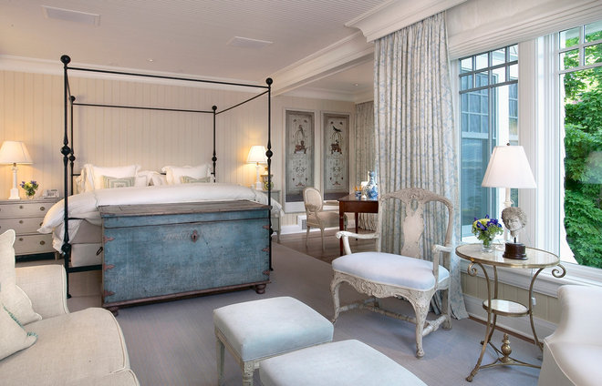Traditional Bedroom by charlie mayer photography