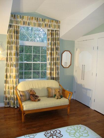Contemporary Bedroom by DIANE GRANANDER DESIGN