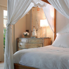 Eclectic Bedroom by interieurs by Francine Gardner