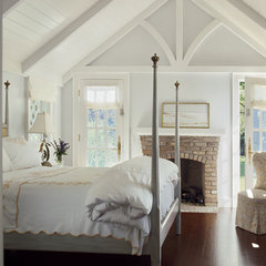 traditional bedroom by Austin Patterson Disston Architects