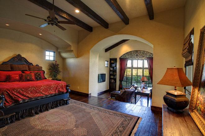 Mediterranean Bedroom by Vanguard Studio Inc.