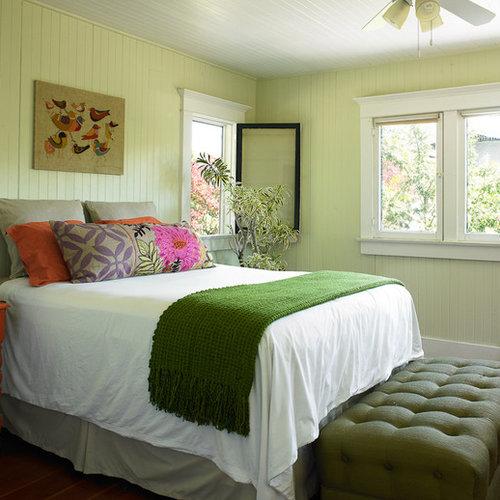 Arts and crafts green bedroom design ideas renovations for Arts and crafts bedroom ideas