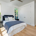 contemporary bedroom 13095 | c811ae13095fbdc7 3212 w144 h144 b0 p0 contemporary bedroom