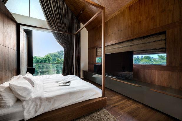 Modern Bedroom by Renaissance Planners & Designers Pte Ltd