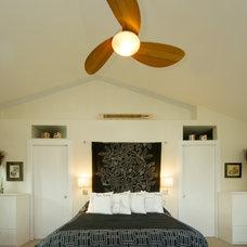 Modern Bedroom by SKP Design