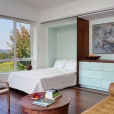 Modern Bedroom by Demetriades + Walker