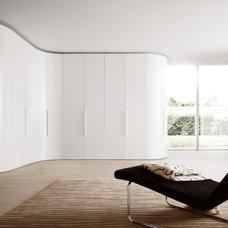 Bedroom by Rhoades Partnership