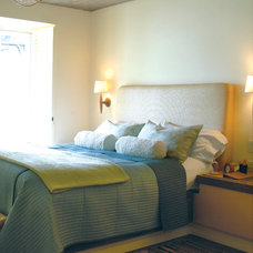 Bedroom by Wallauer's Design Centers
