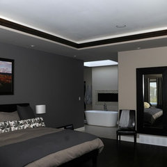 modern bedroom by Bengel Custom Homes