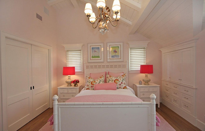 Traditional Bedroom by LUXE INTERIORS