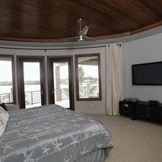 Modern Bedroom by Devonshire Custom Homes