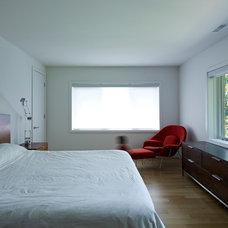 Modern Bedroom by South Park Design Build
