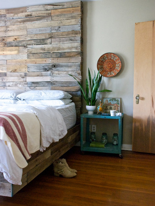 Eclectic pallet wood lamp home design ideas pictures for Eclectic bedroom sets