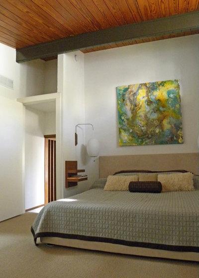 Midcentury Bedroom by Sarah Greenman