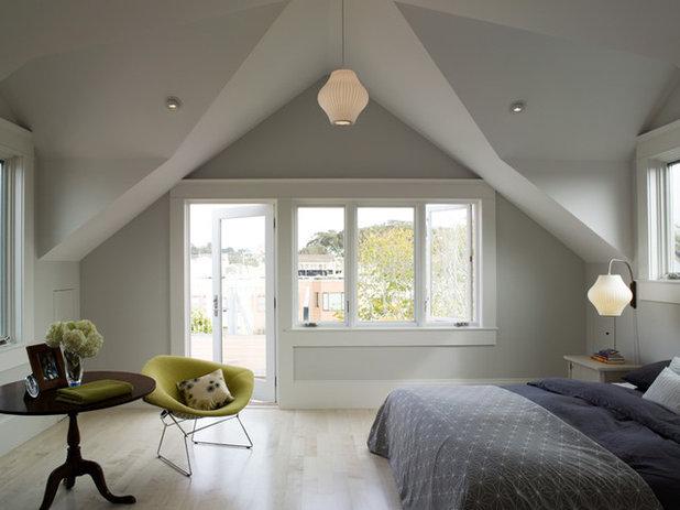 Modern Bedroom by David  Duncan Livingston