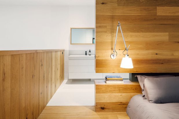 Contemporary Bedroom by Moloney Architects