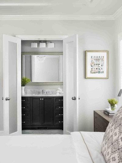 Midcentury Bedroom by Terracotta Design Build
