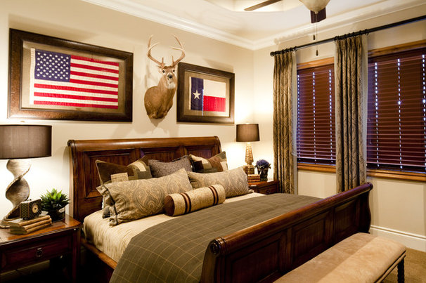 Traditional Bedroom by One swanky shop