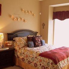 Modern Bedroom by Debbiedoo's