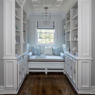 Неиссякаемый источник вдохновения для домашнего уюта: огромная хозяйская спальня в стиле современная классика с серыми стенами, паркетным полом среднего тона, стандартным камином, фасадом камина из плитки и коричневым полом