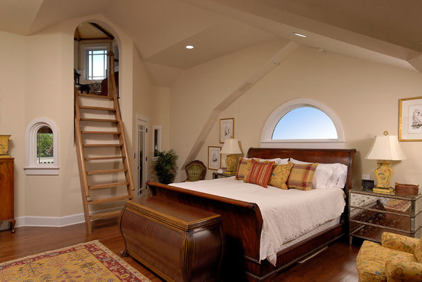 Traditional Bedroom by BOWA