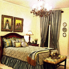 Traditional Bedroom by Designs by Gollum