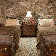 Rustic Bedroom by Djuna Design Studio