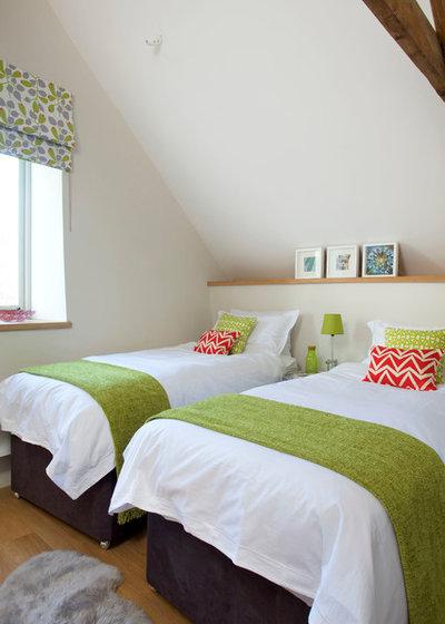Contemporary Bedroom by decorbuddi