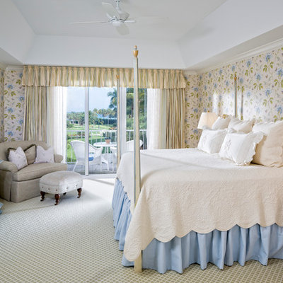 Inspiration for a timeless guest carpeted bedroom remodel in Miami with multicolored walls