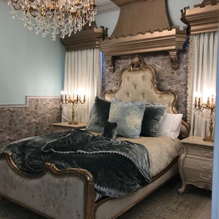 Bedroom - mid-sized transitional guest bedroom idea in Jacksonville with blue walls