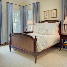 Traditional Bedroom by Glave & Holmes Architecture